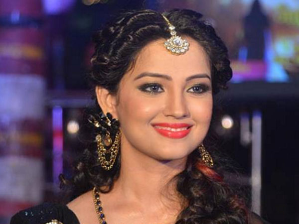 Adaa Khan to play glamorous 'bahu' on TV special