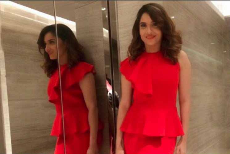 #Stylebuzz: Ankita Lokhande's Red HOT Avatar Will Massacre Your Monday Melancholy