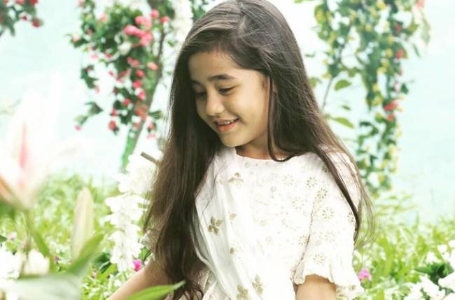 Aakriti Sharma aka Kullfi most adored on the sets of Kullfi Kumarr Bajewala