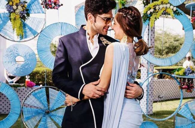 Karan Kundrra tweets; girlfriend Anusha Dandekar gears up for fan hatred