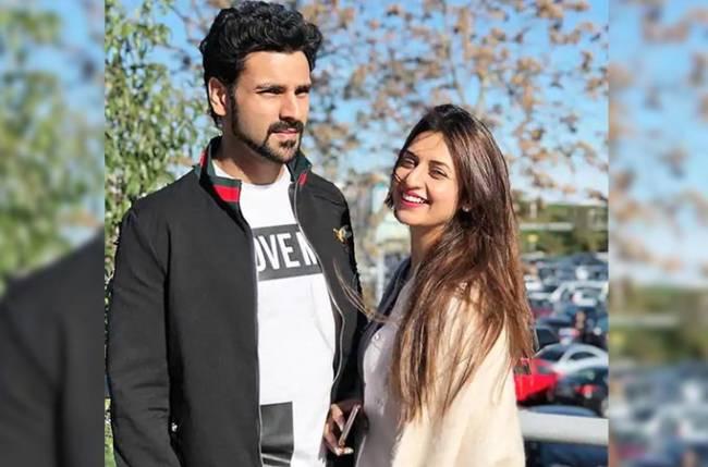 Divyanka Tripathi and Vivek Dahiya's ROMANTIC long drive