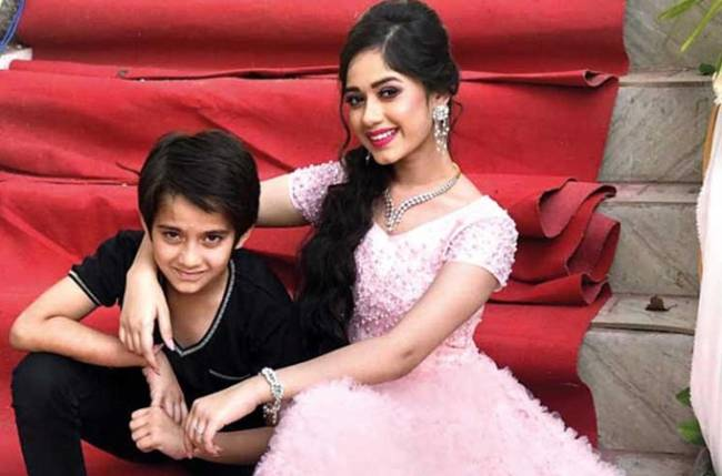 Jannat Zubair's Children's Day post with brother Ayaan is pure sibling goals