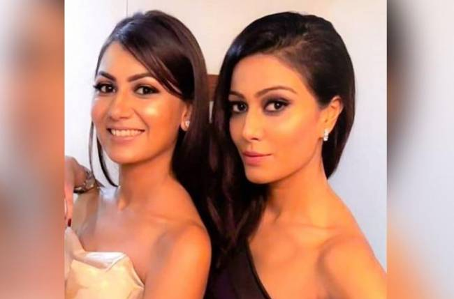 Sriti Jha and Charu Mehra's POOL PARTY picture will awaken the SOCIALITE in you!