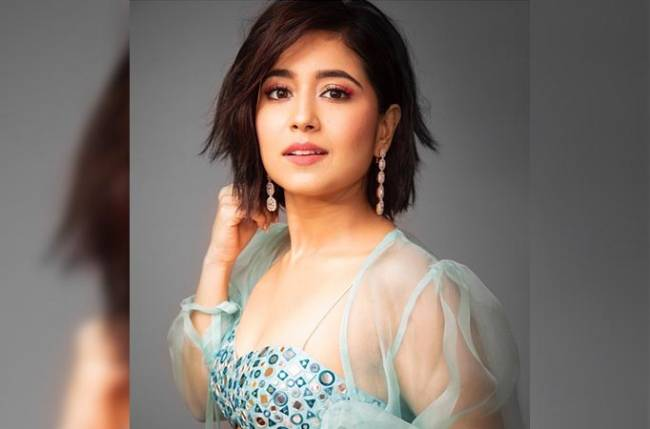 Shweta Tripathi to launch anthem on menstrual health