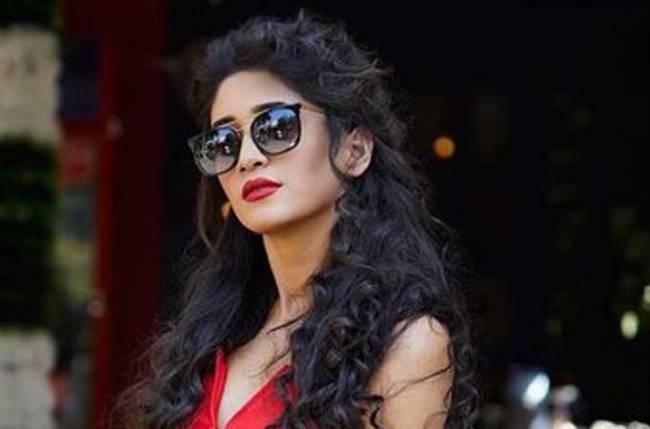 Yeh Rishta Kya Kehlata Hai actress Shivangi Joshi looks pretty in red pretty outfit